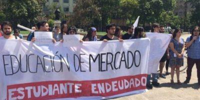 Estudiantes endeudados presentarán carta en Ministerio de Hacienda en contra de retención de impuestos