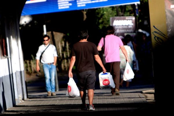 1bf9addbe Los municipios de Chile que han regulado el uso de bolsas plásticas ...