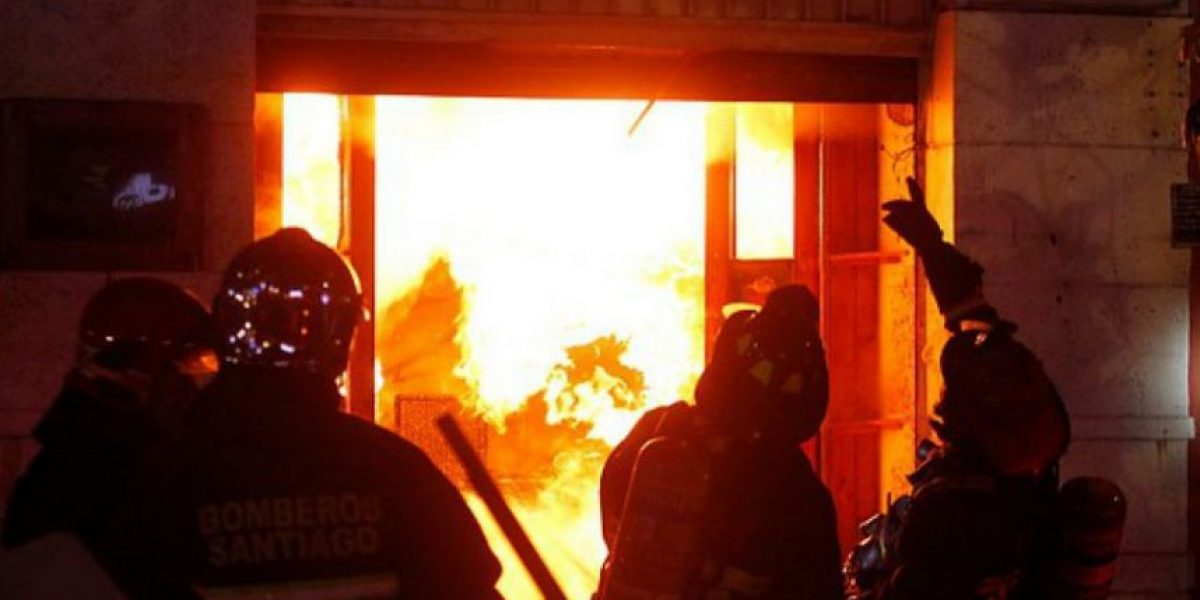 Hombre incendió vivienda de su conviviente en Mulchén con ella y su pequeña hija adentro