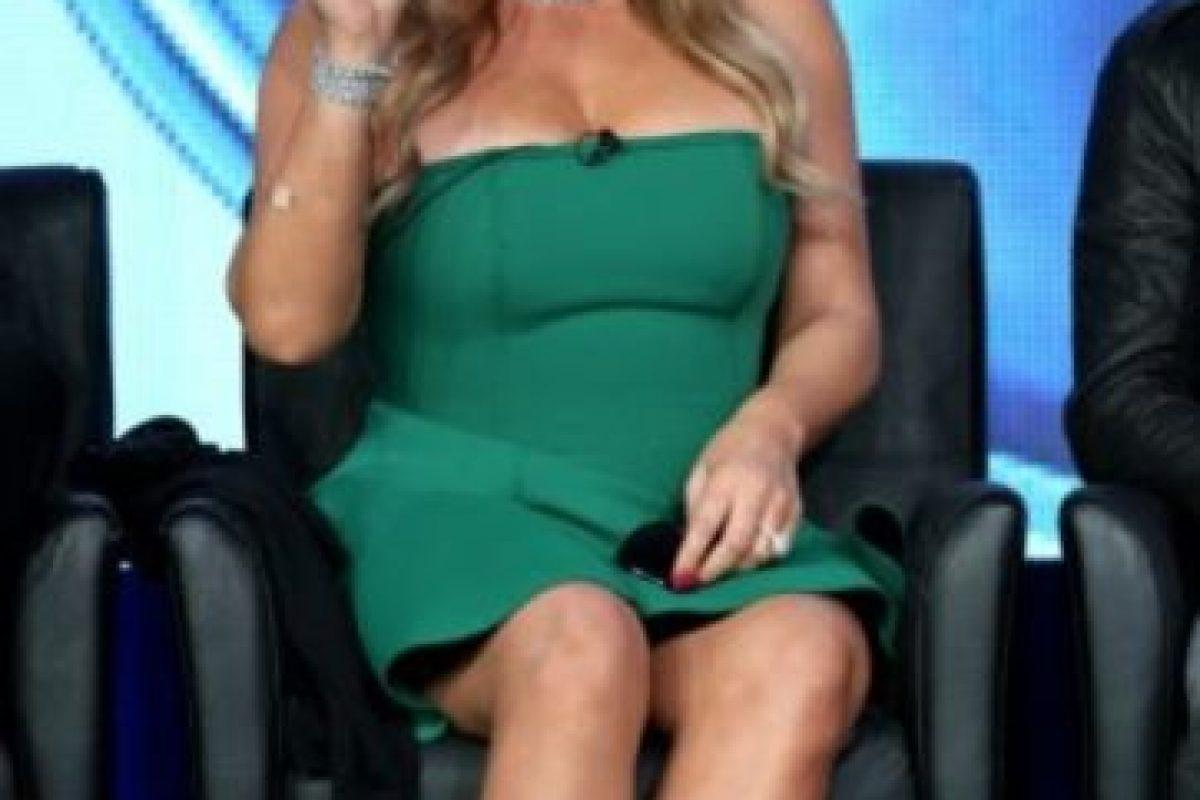 Así lucía en 2015. El vestido verde no la hizo lucir más esbelta por estar arriba de las rodillas. Foto:Getty Images. Imagen Por: