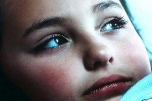Interpretaba a una niña gordita atormentada por su anoréxica madre, a quien terminaba envenenando. Foto:vía Altavista Films. Imagen Por: