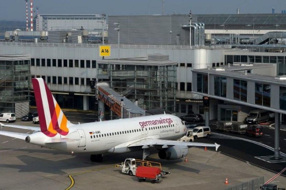 El 24 de marzo de 2015, el copiloto Andreas Lubitz estrelló intencionalmente el Airbus A320 en los Alpes Franceses, esto durante un vuelo de Barcelona a Düsseldorf. Murieron 150 personas. Foto:Getty Images. Imagen Por: