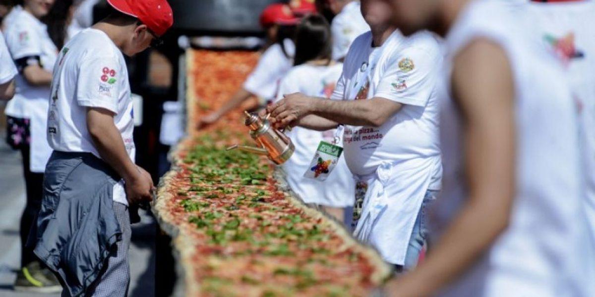 Nápoles logra el récord Guiness con una pizza de casi dos kilómetros