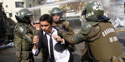Estudiantes secundarios realizan manifestaciones en diversos puntos de la capital
