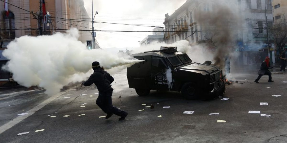 21 de mayo: con incidentes finaliza manifestación convocada en Valparaíso
