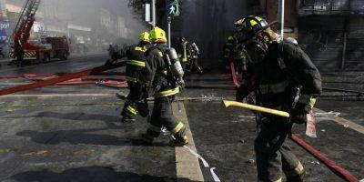 Ministro del interior: fallece guardia rescatado tras incendio en Valparaíso