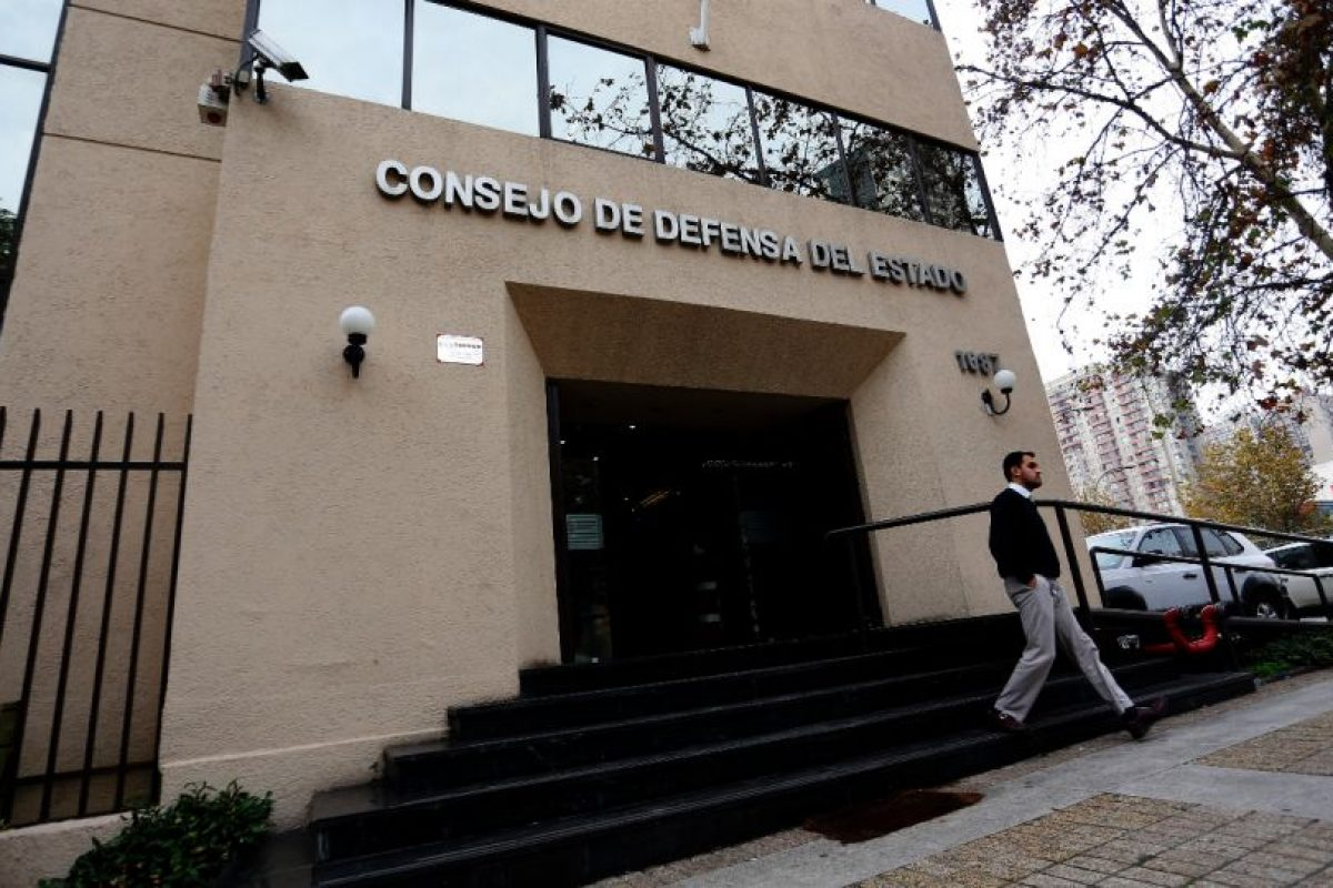 El Consejo de Defensa del Estado anunció que se querellará por el delito de cohecho en contra del ex ministro y senador Pablo Longueira. Foto:PABLO VERA LISPERGUER/AGENCIAUNO. Imagen Por: