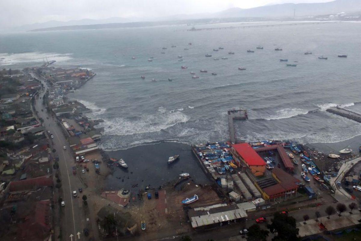 Derrame de petróleo en Quinteros Foto:SANTIAGO MORALES/AGENCIAUNO. Imagen Por: