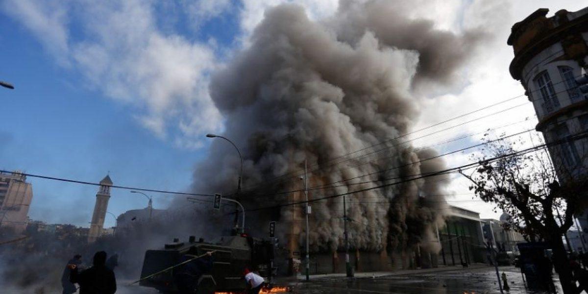 Minuto a minuto: violentos incidentes en Valparaíso tras finalizar la cuenta pública de Bachelet
