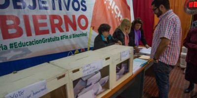 Tohá reiteró idea de primarias para Santiago durante elección interna del PPD