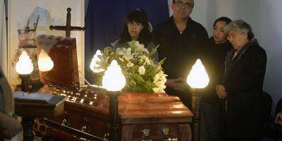 Restos de Eduardo Lara son velados en edificio consistorial de Valparaíso