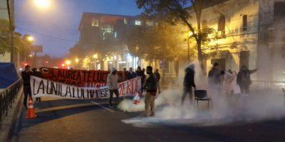 Estudiantes de Universidad Andrés Bello bloquearon el tránsito en Bellavista