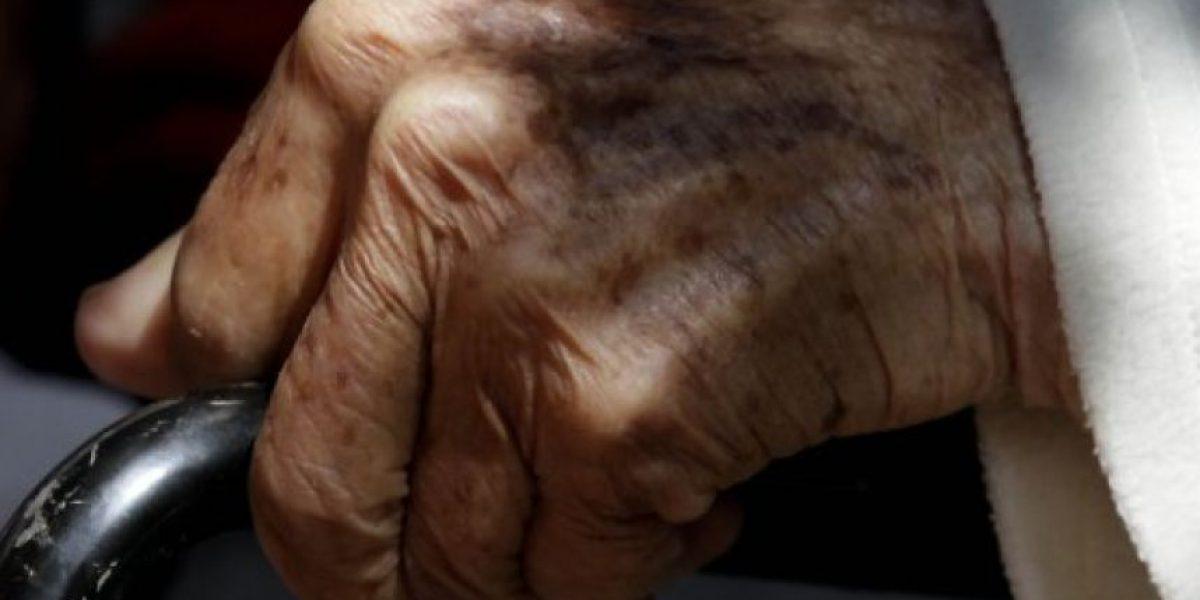 Arica: denuncian que negaron arriendo a abuela con discapacidad porque su cuidador es gay