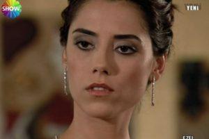 Eyşan Tezcan fue interpretada por Cansu Dere. Ella es hija del estafador Serdar y está enamorada de Ezel. Foto:vía Show TV. Imagen Por: