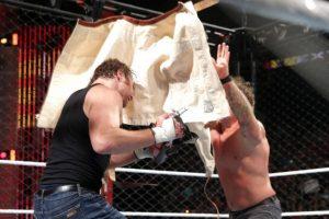 Se propinaron fuerte castigo Foto:WWE. Imagen Por: