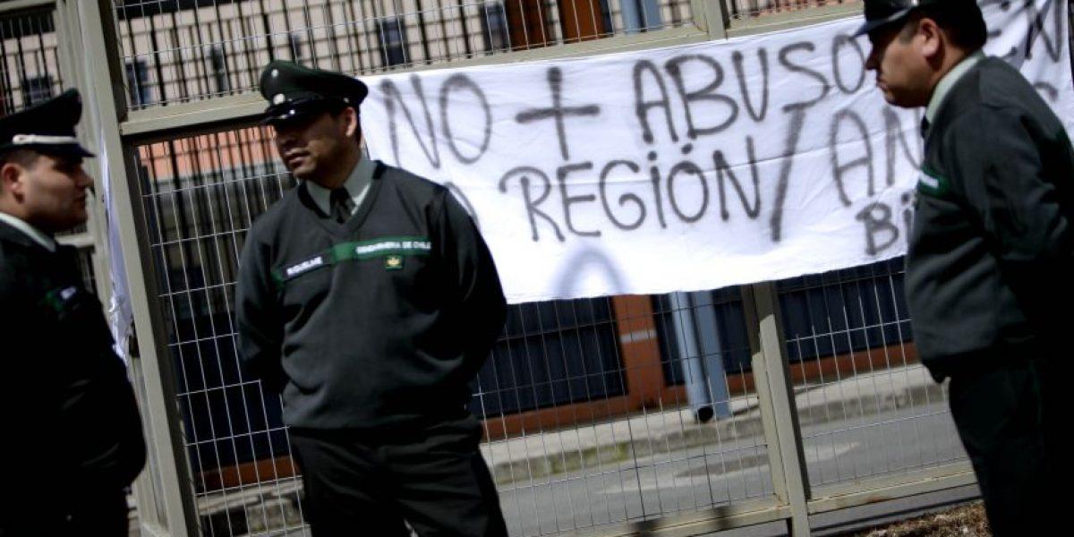 Gendarmes se toman cárcel de Talca y radicalizan movilización contra el Gobierno