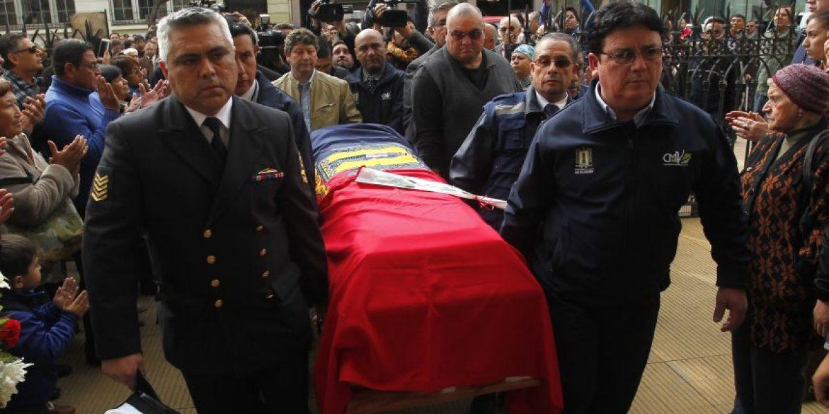 Escenas de dolor en funeral del guardia que murió en las protestas del 21 de mayo