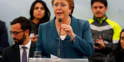 """Bachelet por estudiantes en La Moneda: """"Todos queremos que sea más rápido el avance de la reforma"""""""