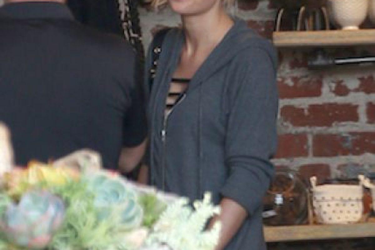 Así lucía Taylor ese escote en ropa deportiva Foto:Grosby Group. Imagen Por: