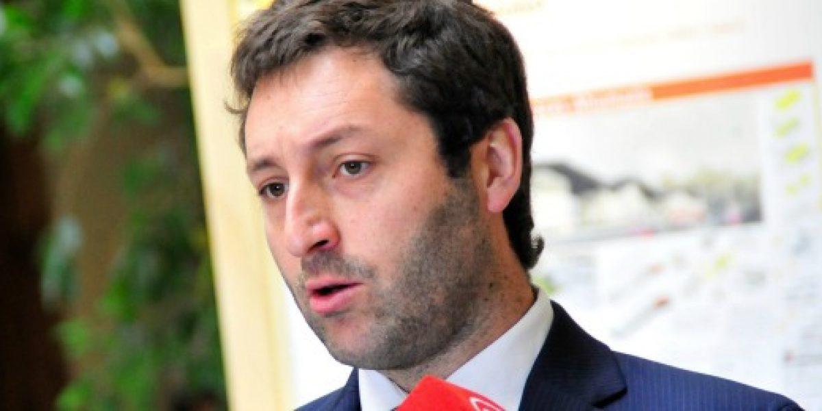 Diputados UDI proponen que inyección a TVN se destine a contratación de jóvenes y mujeres