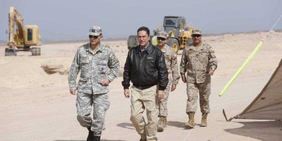 Ministro de Defensa entregó 13 campos desminados en Arica