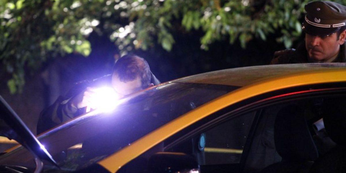 Desconocidos escapan de control policial y protagonizan persecución en Las Condes