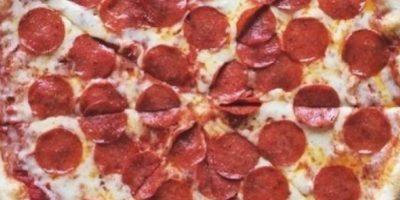 Mujer encontró preservativo en su pizza y la respuesta que recibió fue desconcertante