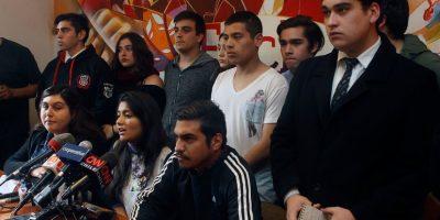 """Estudiantes en picada contra autoridad: """"Señor Burgos, inhíbase de gobernar a punta de palos"""