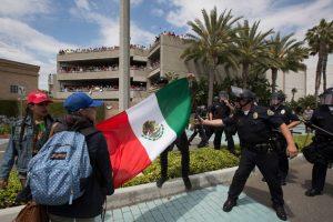 Fueron detenidas ocho personas, siete adultos y un menor Foto:Getty Images. Imagen Por: