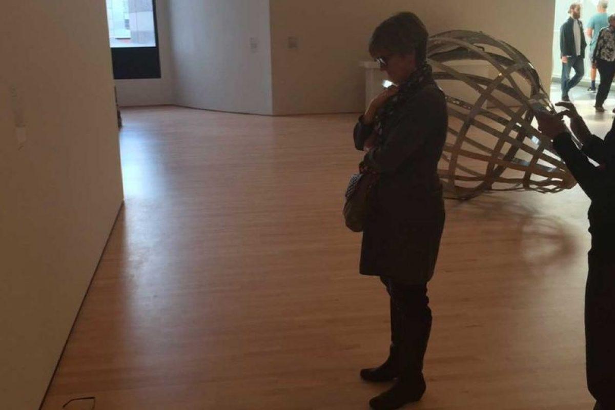 """La gente comenzó a acercarse para contemplar la """"exhibición"""" Foto:Twitter @TJCruda. Imagen Por:"""