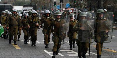 Carabineros informó de 117 detenidos en marcha no autorizada de estudiantes en Santiago