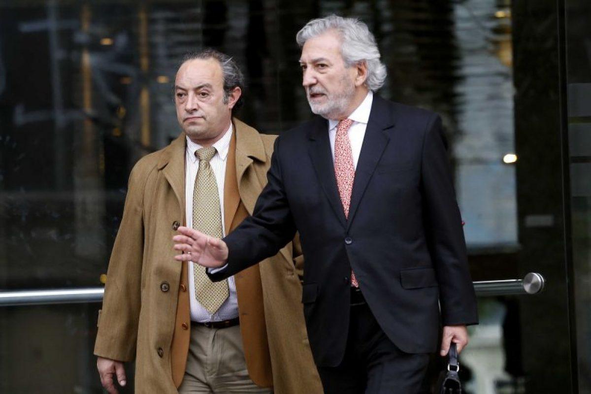 Luis Matte ex tesorero del PPD se retira de la fiscalía Foto:Agencia Uno. Imagen Por: