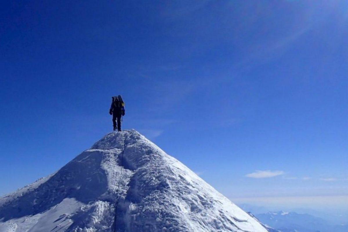 Marca la frontera entre Nepal y China Foto:Facebook/marisa.strydom.10. Imagen Por: