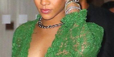 El costoso vestido de Rihanna que no deja nada a la imaginación