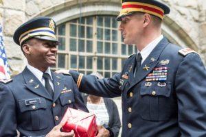 Alix atribuyó su éxito a su padre y su familia que siempre lo motivaron a seguir estudiando. Foto:West Point – The U.S. Military Academy. Imagen Por: