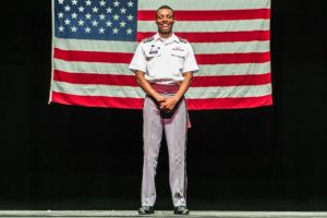 Su deseo siempre ha sido ser piloto desde que vio al Ejército norteamericano realizar actividades humanitarias en su país de origen. Foto:West Point – The U.S. Military Academy. Imagen Por: