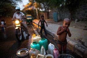 """Una intensa ola de calor se encuentra """"derritiendo"""" las calles de la India Foto:Getty Images. Imagen Por:"""