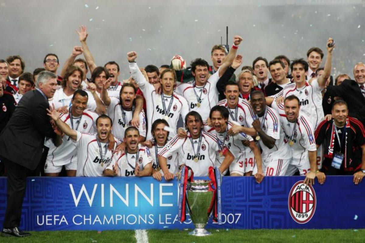 AC Milan (Italia)-7 títulos: 1963, 1969, 1989, 1990, 1994, 2003, 2007 Foto:Getty Images. Imagen Por: