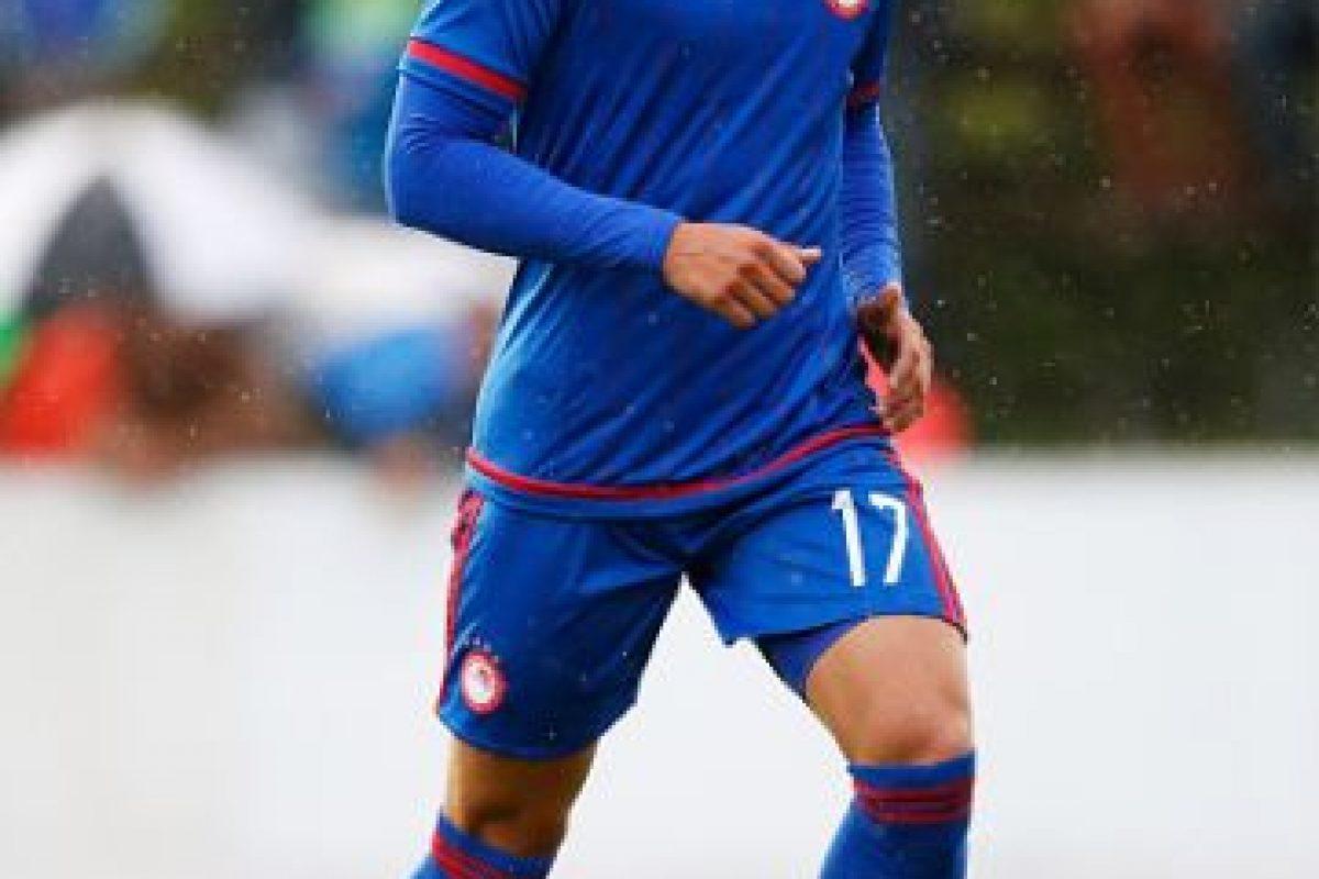 Es delantero y juega en el Olympiacos de Grecia. Foto:Getty Images. Imagen Por: