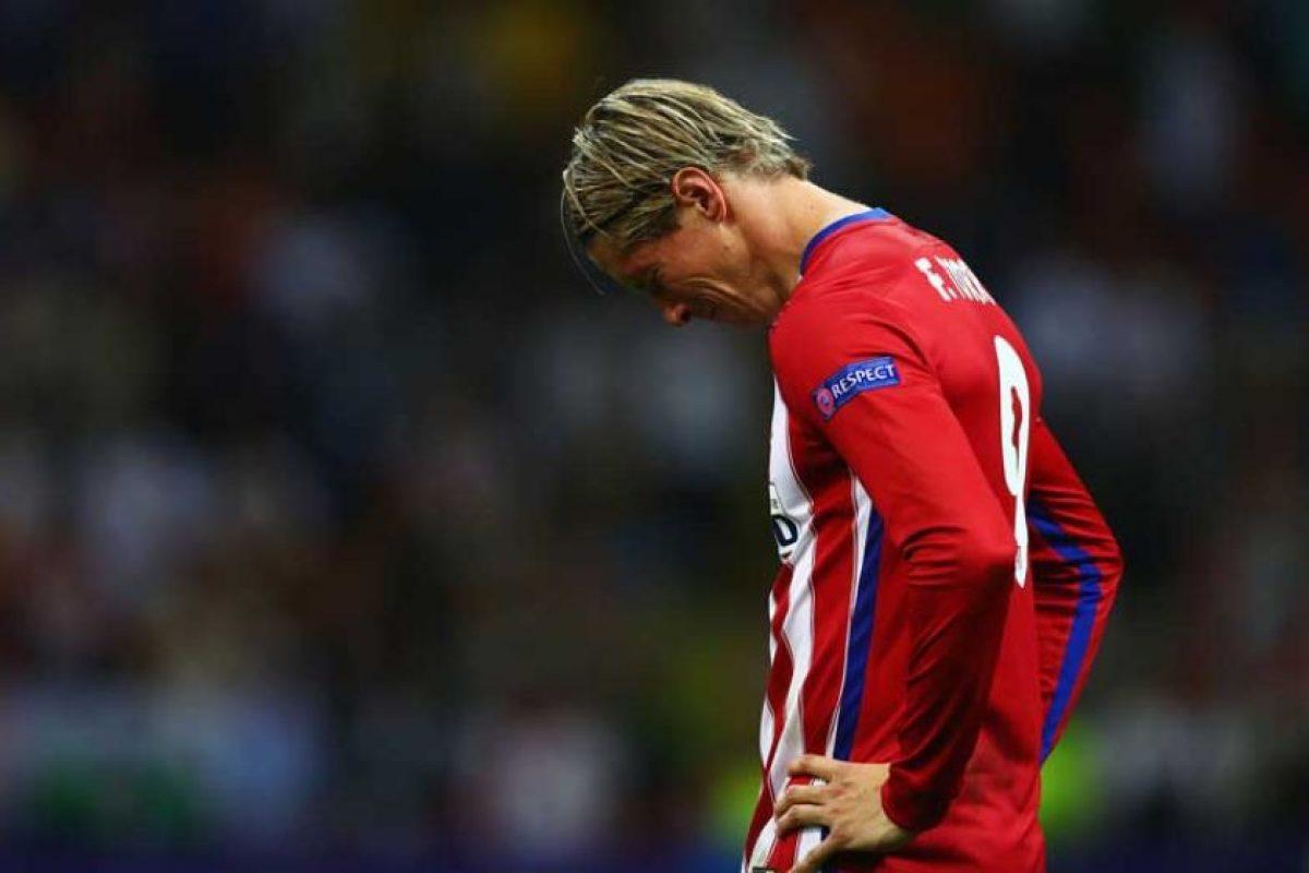 """Y el """"Niño"""" Torres no pudo ocultar su dolor al perder la final con el club de sus amores. Foto:Getty Images. Imagen Por:"""
