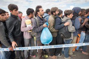Mientras más cadáveres siguen apareciendo. Foto:vía AFP. Imagen Por: