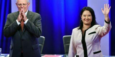 Fujimori defiende su liderazgo en Perú ante un Kuzcynski que resucita en el debate