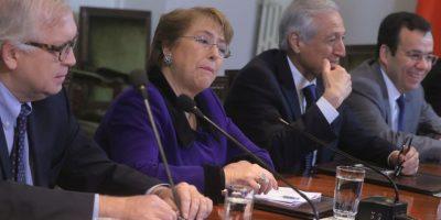 Bachelet encabeza consejo de gabinete tras molestia por filtración en caso Caval