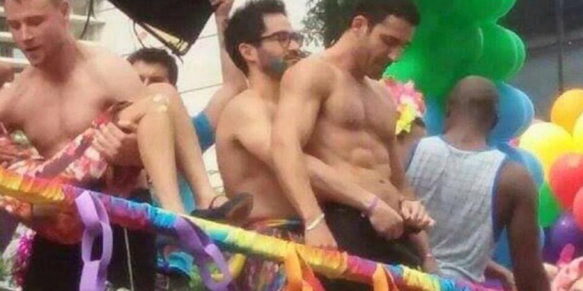 Ex RBD se besó con otro actor en desfile gay en Brasil