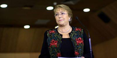 Bachelet viaja a París para presidir foro ministerial de OCDE