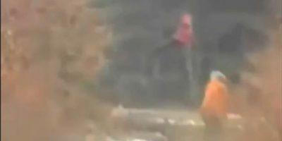 Terrorífico video de niña levitando en el bosque impacta a las redes sociales