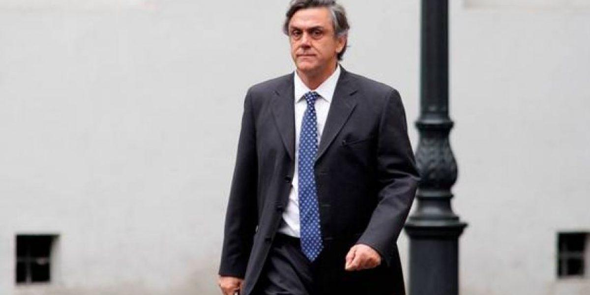 Providencia: PDI investiga robo en las oficinas de Pablo Longueira
