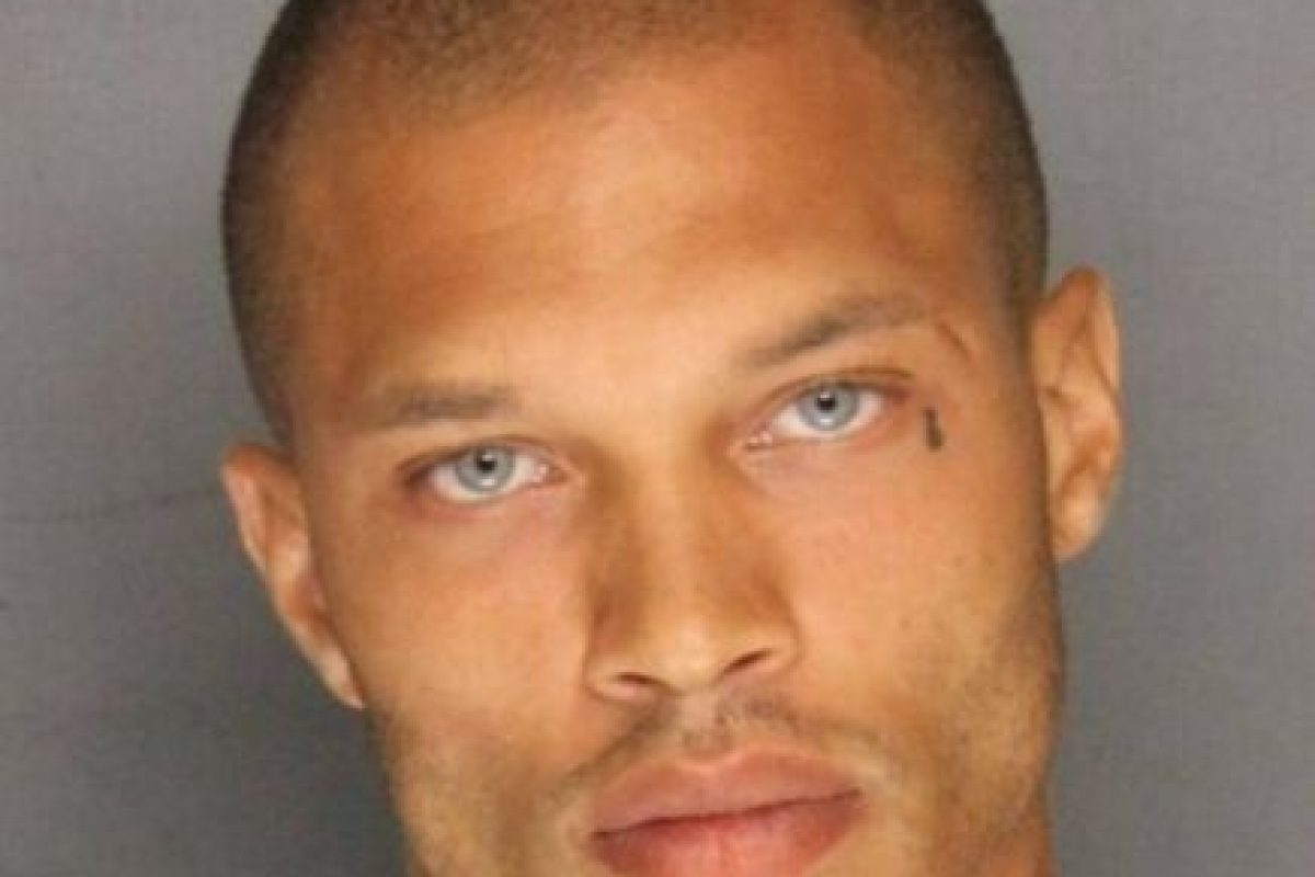 """Lo llamaron """"el preso más guapo del mundo"""". Foto:Vía Facebook.com/JeremyMeeksDreamyMcMugShot. Imagen Por:"""