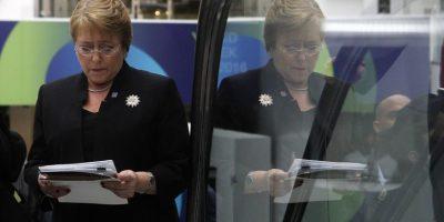 Tribunal acogió querella de Presidenta Bachelet contra revista Qué Pasa