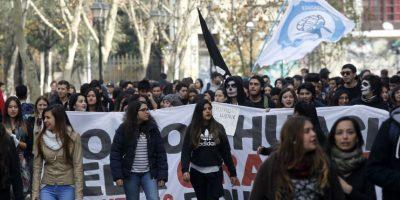 18 universidades y 44 liceos de todo el país se encuentran movilizados